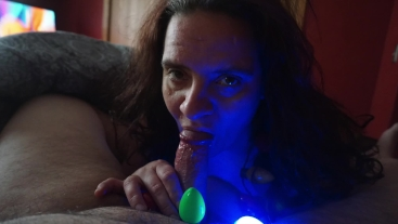 Christmas Blowjob - Naughty Milf Gets Her Face Decorated