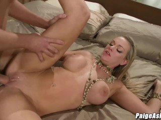 Pretty girl Paige Ashley knows how to get down and dirty