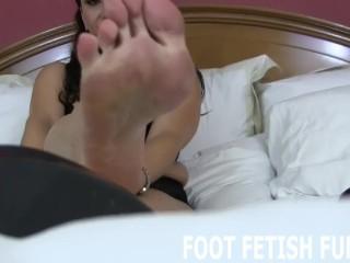 POV Foot Fetish And Femdom Toe Sucking Porn