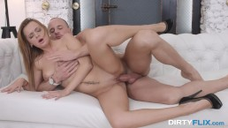 Dirty Flix - Emily Thorne - Courtesan is her calling