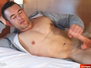 Ludovic My handsome str8 neighbour serviced in a gay porn