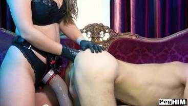 Lena Paul Using MrHankeys Ram Rodder Dildo to peg Michael Vegas' huge hole