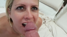[Hotwife] Fuckbuddy cums in my mouth after doggystyle fucking