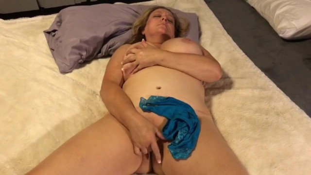 Sexy naked women boobs - Naked milf with big natural boobs fingering herself - naughty homemade wife