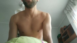Espanhol bonito com os músculos porra bunda com vista POV