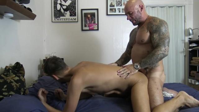 Resultado de imagem para masculine jason FUCKING THE BARTENDER porn