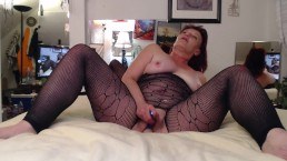 V186 Strokin with your favorite hot redhead, DawnSkye