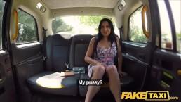 Brunett tik och taxichaufför