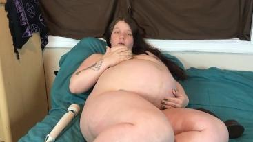 Pregnant slut uses BBC to induce labor
