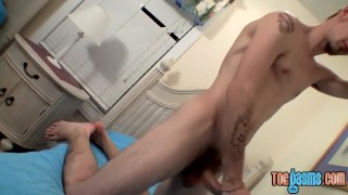 Deviant backdoor bandit plays with feet and jacks off solo Anal scuking