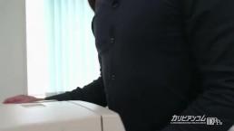 【無】美人掃除婦の臀部に欲情 秋野千尋 Chihiro Akino