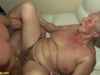Mature Ladyboy porno