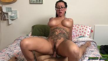 Fucking Tattooed MILF Lily Lane