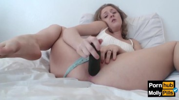 Molly Pills Creamy Cucumber Cumshow