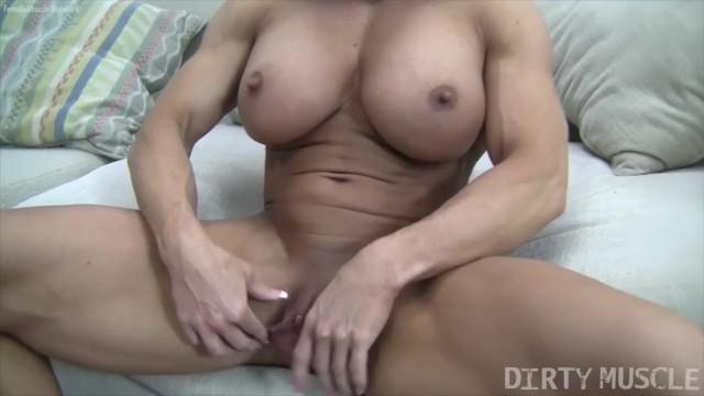 Huge bodybuilder clit - Angela salvagno huge labia big clit huge dildo