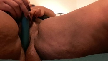 Ebony BBW masturbates while BF is at work