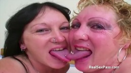 vecchie lesbiche grasse tatuate