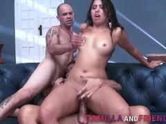 Pussy fucking shemale