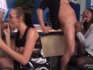 Photo tatouage homme bras paris escort gay