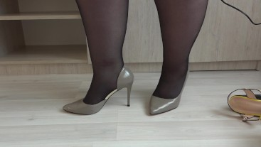 Thick legs like different shoes with high heels and like nylon. Foot fetish