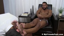 Kinky latino Jay wanks off while foot worshipped