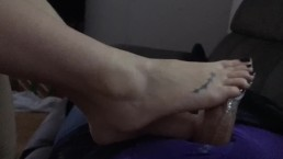 Runnerbean87- Hot milf In sexy lingerie gives great footjob