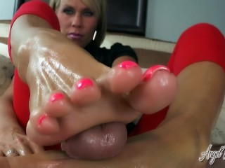 Big dick jeans angel kissed feet nikki ashton using hands and feet to get cum, angelkissedfeet kink
