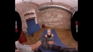 VirtualRealPorncom Alone in the gym