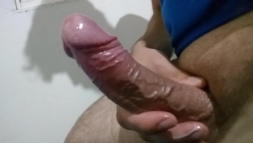 Multiple cumshots after edging and massaging with oil