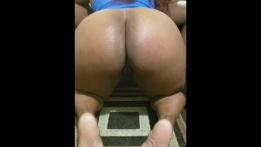 Big booty ebony bouncing on bbc
