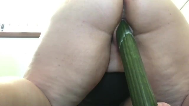 BBW Orgasms from Pounding Pussy with Huge