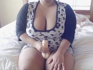 Thick Futanari/Shemale Makes Herself Cum (Cumshot)