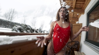Amateur public sex on snow balcony 4K