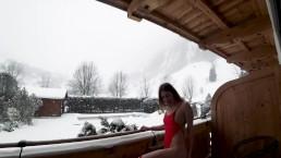 Amateur public sex on snow balcony 4K