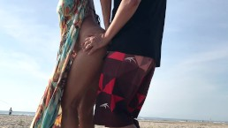 Real Amateur Public Standing Sex Risky on the Beach !!! People walking near