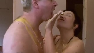 Pie face sploshing porno