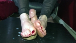 Border un coq avec mes mains et mes pieds