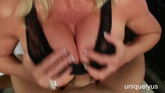 Boob bra dd - Talked my hot aunt into a titty fuck and creamed her dds