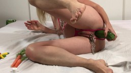 Anal Vegetable Insertions: Painslut with Ginger, Lemon, Pepper up her Ass