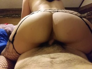Babygirl making it bounce on the dick