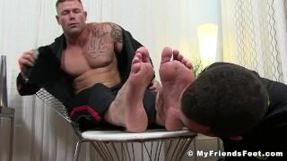 Muscular pervert Joey J tongued by feet worshiper Shoejob heels