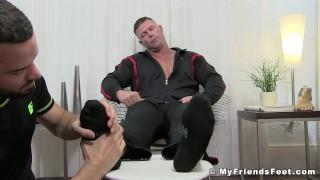 Muscular pervert Joey J tongued by feet worshiper