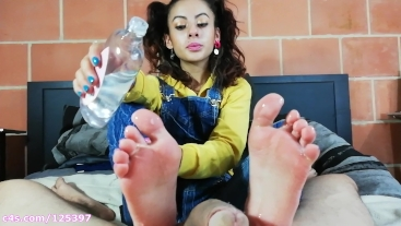 Little bratty stepsister gives me an EPIC OILED UP BAREFOOT FOOTJOB! (HD)