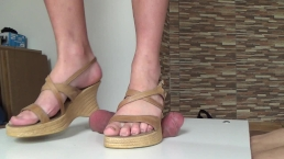 Full Weight Crush Under Wedges - Rough CBT Trample
