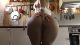 buttplug and squirt in kitchen hd