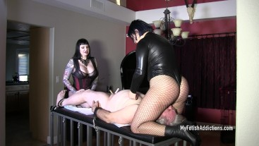 Veronica & Maya Smother & Smack a bitch