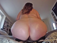 Fat Pussy MILF Twerks Big Booty