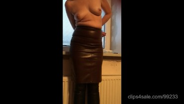 Tied up for her husband's pleasure (Home smartphone video)