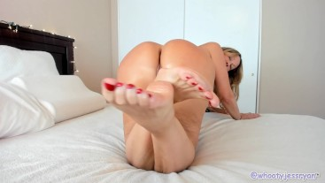 Milf Jess Ryan Sexy Foot Teaser Before Giving James A Foot Job