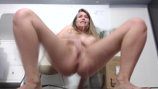 De femenina masturbation video - The best squirt by kalyssy